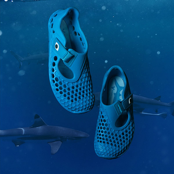 VIVOBAREFOOT Ultra Kids Shark