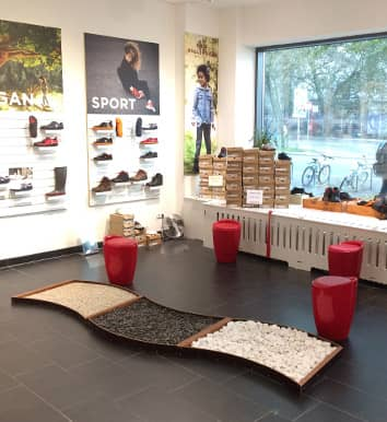stores vivobarefoot deutschland. Black Bedroom Furniture Sets. Home Design Ideas